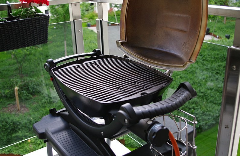 How To Slow Cook Ribs On A Weber Grill?